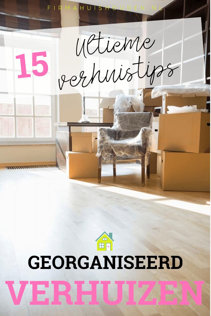 Een kamer met verhuisdozen en een stoel - 15 Ultieme verhuistips voor een georganiseerde verhuizing