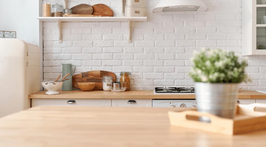8 Schoonmaaktips voor de probleemzones van je keuken -